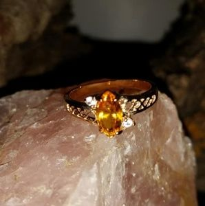 Jewelry - Topaz and gold tone ring